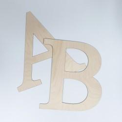 Drewniane litery do dekoracji.