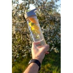Sportowa butelka na wodę z wkładem na owoce i lód