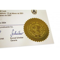 Złota naklejka z odbiciem suchego stempla na dokumencie