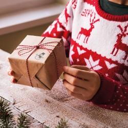 Bałwanek - Dekoracja prezentu pieczątką Little Nio Święta